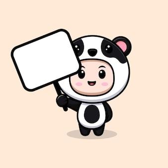 Ragazzo carino che indossa il costume da panda che tiene una scheda di testo vuota. illustrazione piatta del personaggio del costume animale
