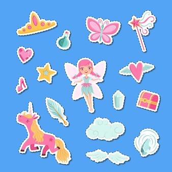 Simpatici cartoni animati magici e adesivi di elementi fiabeschi impostare illustrazione. magia da favola, fata e unicorno fantasy
