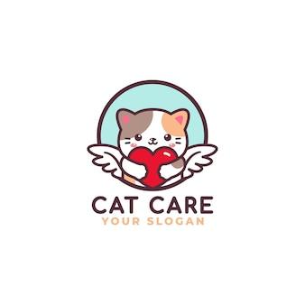 Gatto sveglio che abbraccia il negozio del bambino della mascotte di logo di cura del cuore