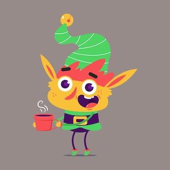 Elfo di natale carino con personaggio dei cartoni animati di tazza di caffè rosso isolato su priorità bassa