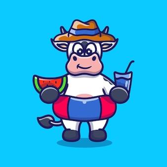Simpatica mucca con cappello da spiaggia con anelli da bagno che trasportano anguria e bevanda