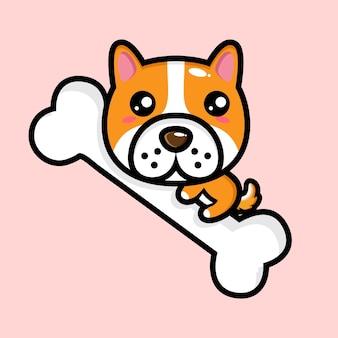 Simpatico cane che abbraccia un grande osso
