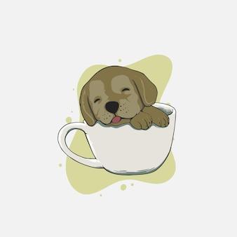 Simpatico cane che dorme in tazza