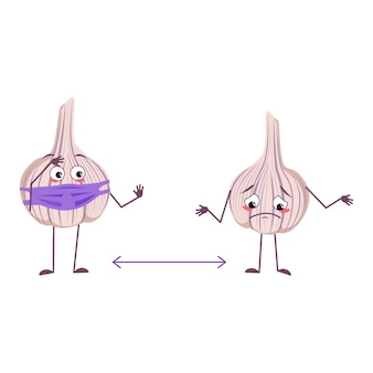 Simpatici personaggi di aglio con emozioni, viso e maschera mantengono le distanze, braccia e gambe. l'eroe divertente o triste, vegetale. illustrazione piatta vettoriale