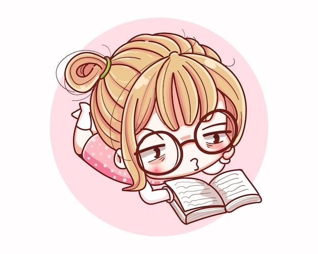 Ragazza carina che legge un libro e un disegno del personaggio dei cartoni animati.