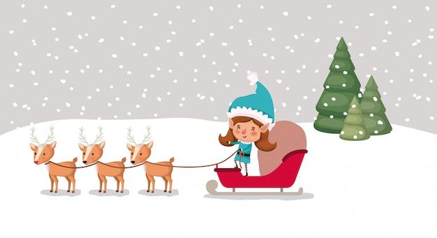 Ragazza carina santa helper con slitta e renne