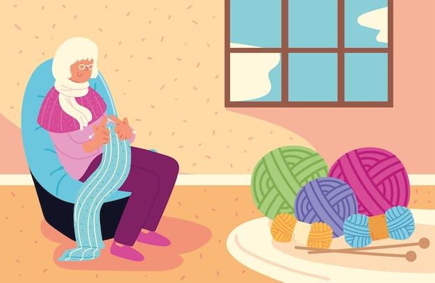 Carina nonna che lavora a maglia