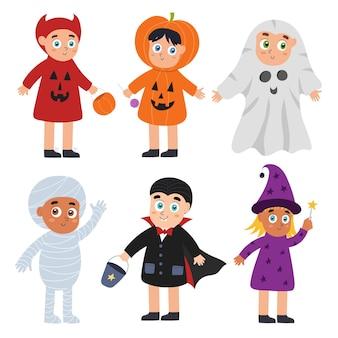 Simpatico set per bambini di halloween ragazzi e ragazze che indossano costumi da strega diavolo zucca vampiro e mummia