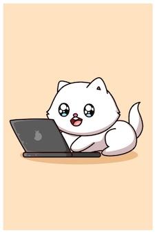 Piccolo gatto sveglio e felice con l'illustrazione del fumetto del computer portatile