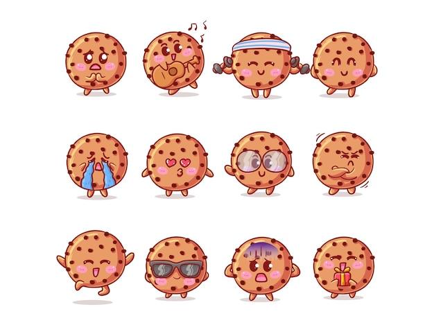 Illustrazione dell'autoadesivo dei biscotti con gocce di cioccolato carino e kawaii con varie attività ed espressioni per la mascotte