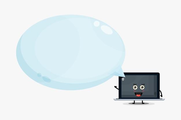 Mascotte sveglia del computer portatile con discorso della bolla