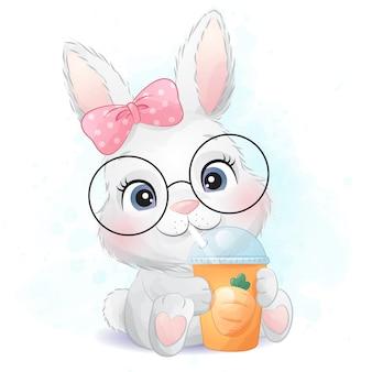 Piccolo coniglietto sveglio che beve un'illustrazione del succo di carota