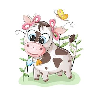 Piccola mucca sveglia con fiocchi rosa sulle orecchie, guardando il bel fiore
