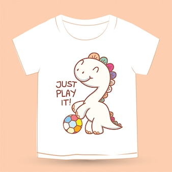 Carino piccolo dino con pallone da calcio cartoon per t-shirt