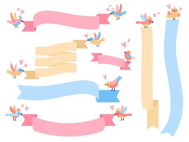 Piccoli uccelli volanti svegli che tengono le bandiere del nastro