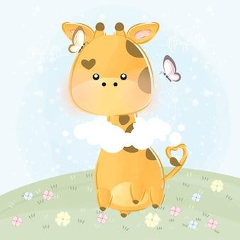 Carina piccola giraffa con nuvole e farfalle