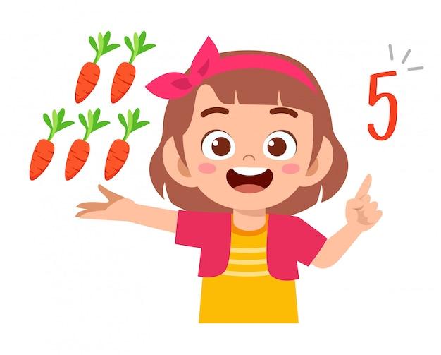 Verdura sveglia di conteggio di numero di per la matematica di studio della ragazza del bambino
