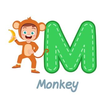 Simpatico costume da bambino per imparare l'alfabeto