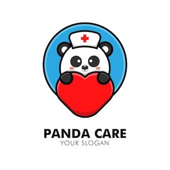 Simpatico panda che abbraccia l'illustrazione del design del logo animale del logo della cura del cuore