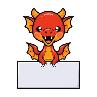 Simpatico cartone animato drago rosso con segno bianco