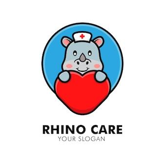 Simpatico rinoceronte che abbraccia l'illustrazione del design del logo animale del logo della cura del cuore
