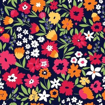 Simpatico motivo senza cuciture con fiori e foglie