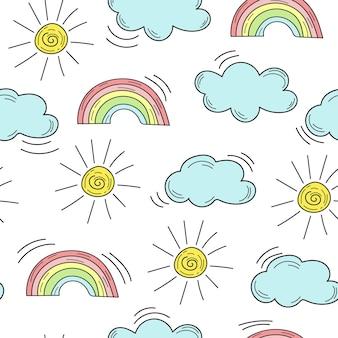 Simpatico motivo senza cuciture con arcobaleno, nuvole e sole su bianco