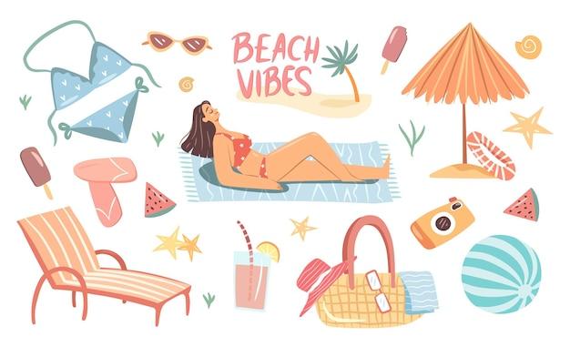 Simpatici oggetti da spiaggia estivi incastonati con una donna che prende il sole in costume da bagno collezione di articoli per le vacanze