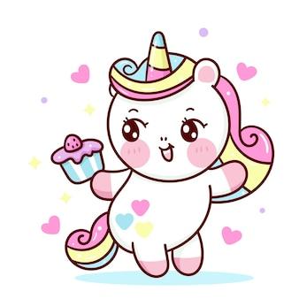 Fumetto sveglio dell'unicorno che tiene il bigné di compleanno per l'animale di kawaii del partito