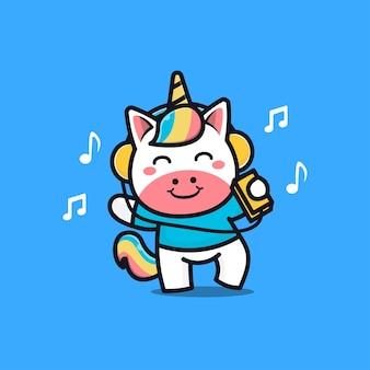 Musica d'ascolto di unicorno carino con le cuffie