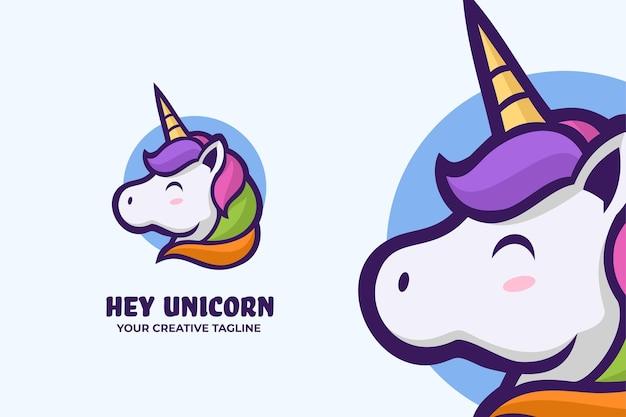Simpatico modello di mascotte con logo unicorno