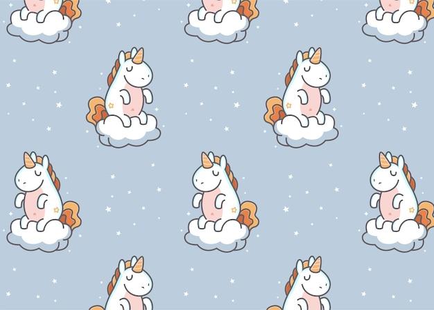 Simpatico unicorno seduto sul motivo nuvola