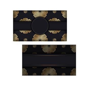 Brochure di colore scuro con ornamento mandala oro