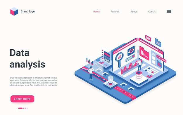 Gli sviluppatori di landing page isometriche del concetto di servizio di analisi dei dati lavorano con dati grafici.