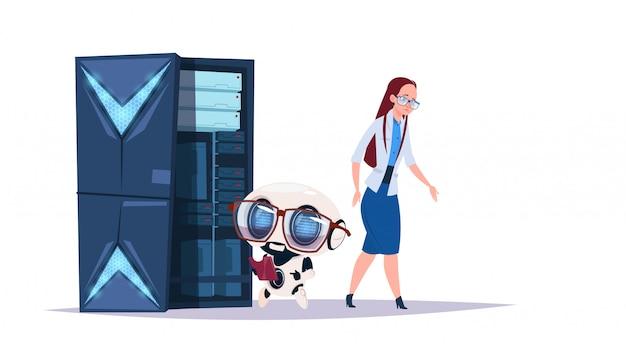 Centro di intelligenza artificiale di archiviazione dati con server e personale di hosting. concetto di cybermind di supporto di comunicazione del robot del computer