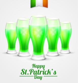 Il giorno di san patrizio bicchiere di verde