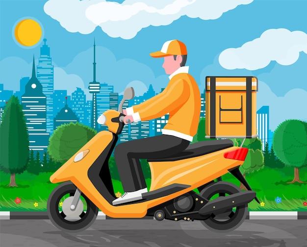 Uomo di consegna in sella a una moto scooter con la scatola. concetto di consegna veloce in città. corriere maschio con cassetta dei pacchi sulla schiena con merci, cibo e prodotti. cartoon piatto illustrazione vettoriale