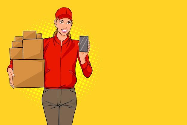 Impiegata della donna delle consegne in berretto rosso e scatola con telefono cellulare in mano pop art comic style