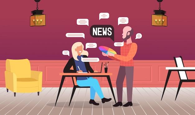 Coppia di progettisti in chat durante la riunione discutendo notizie quotidiane bolla di chat comunicazione concept art studio interno orizzontale figura intera illustrazione