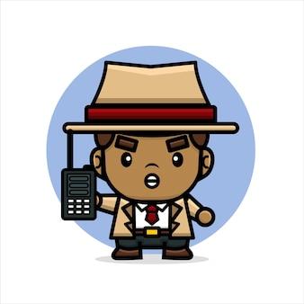 Detective con in mano un walkie-talkie