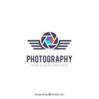 Logo fotografico a diaframma in stile piatto