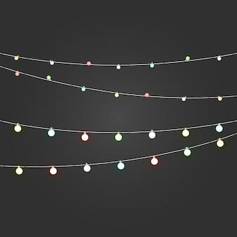 Vettore di ghirlanda di illuminazione di colore diverso impostato su sfondo scuro. raccolta di vettore di luci di natale. lampade incandescenti vect o set