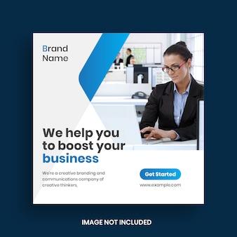 Post e banner sui social media per il marketing aziendale digitale