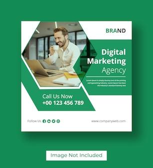 Post sui social media di marketing digitale Vettore Premium