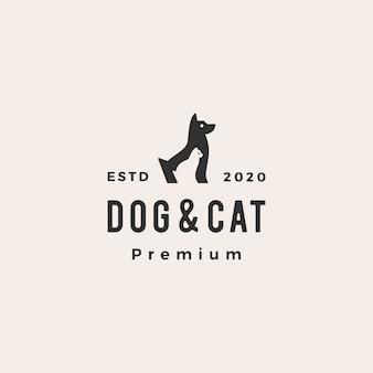 Illustrazione d'annata dell'icona di logo dei pantaloni a vita bassa dell'animale domestico del gatto del cane