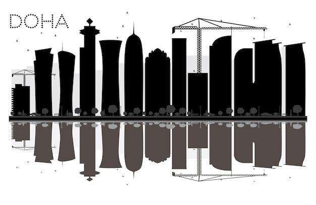 Siluetta in bianco e nero dell'orizzonte di doha city con le riflessioni. illustrazione vettoriale. semplice concetto piatto per presentazione turistica, banner, cartellone o sito web. paesaggio urbano con punti di riferimento.