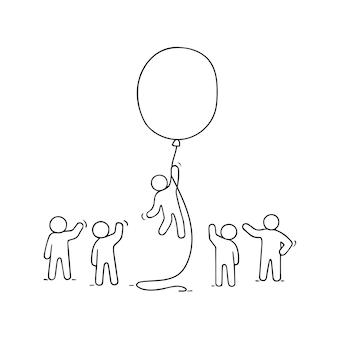 Doodle carino scena in miniatura di lavoratori con palloncino. concetto di schizzo di successo e leadership.