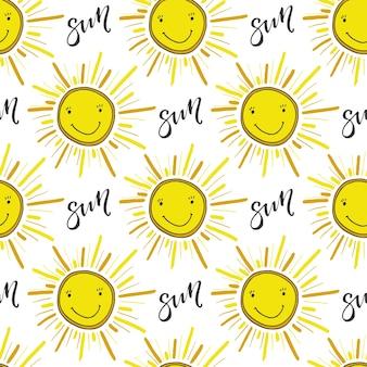 Doodle disegnato a mano senza soluzione di pattern con il sole