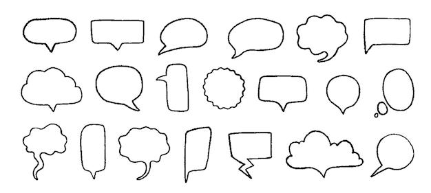 Bolle di discorso di doodle. elementi disegnati a mano per citazioni e testo con linee di schizzo a matita e forme grunge. insieme alla moda di vettore