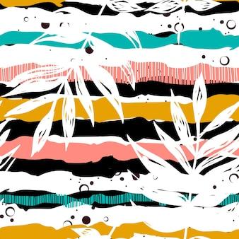 Foglie tropicali disegnate su un modello senza cuciture di sfondo a strisce. strisce di colore con stampa floreale. modello estivo tropicale in tessuto su sfondo bianco. stampa su tessuto etnico con foglie tropicali.